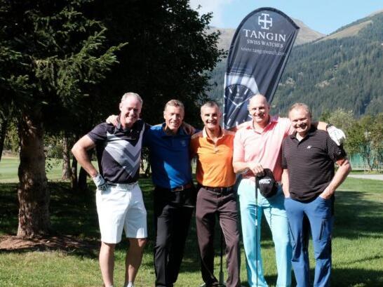 天珺连续3年助力,瑞士高尔夫慈善锦标赛完美收杆