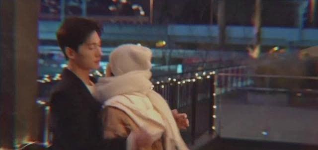 《你是我的荣耀》特辑,迪丽热巴杨洋眼神好甜,二人雪中浪漫牵手