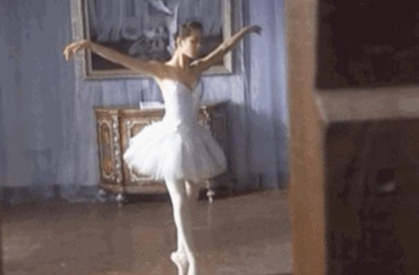 """""""华为小公主""""的一支舞,暴露娱乐圈多少明星的尴尬"""