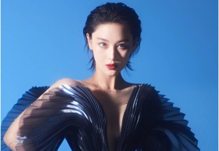 张馨予呼吁不要对女演员胖瘦太苛刻,这种话题有点搞笑!